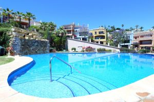 Townhouse for sale in Nueva Andalucía R2674871