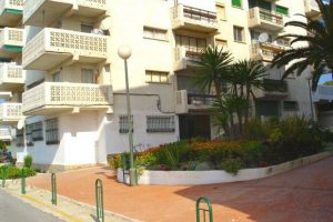 Apartment for sale in Estepona R20256