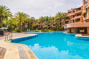 Apartment for sale in The Golden Mile R3334519