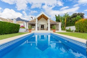 Villa for sale in The Golden Mile R2555741