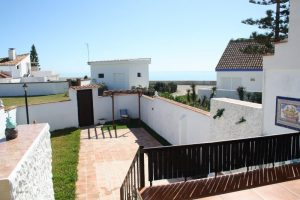Townhouse for sale in Estepona R2653019