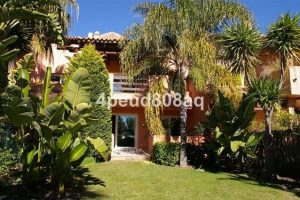 Townhouse for sale in Marbella R2236538