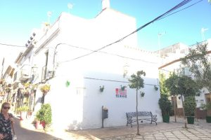 Townhouse for sale in Estepona R2457071