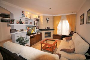 Townhouse for sale in Estepona R2672201