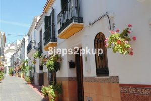 Townhouse for sale in Estepona R2252066