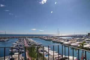 Apartment for sale in Puerto Banús R2604917