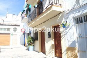 Townhouse for sale in Estepona R2280176