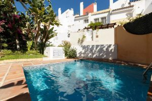 Townhouse for sale in Nueva Andalucía R3325840