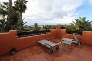 Townhouse for sale in The Golden Mile R3358654