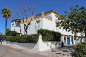 Townhouse for sale in Estepona R2859068