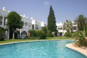 Townhouse for sale in Estepona R2857319