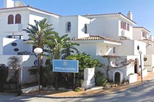 Townhouse for sale in Estepona R2853530