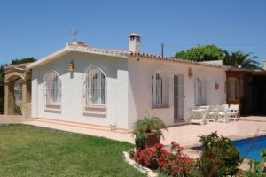 Villa for sale in San Pedro de Alcántara R157629