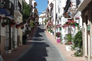 Townhouse for sale in Estepona R2914457