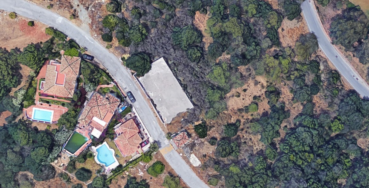 Plot for sale in El Padron R2769770