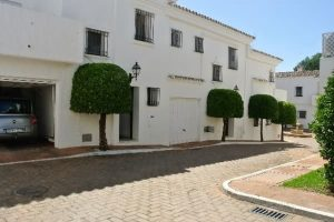 Townhouse for sale in Nueva Andalucía R2932949