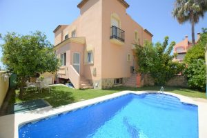 Townhouse for sale in Marbella R2920550