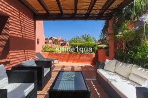 Apartment for sale in Estepona R2681870
