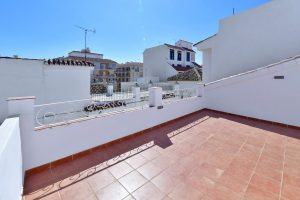 Townhouse for sale in Estepona R2869568