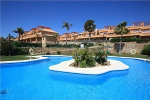 Townhouse for sale in Estepona R2444069