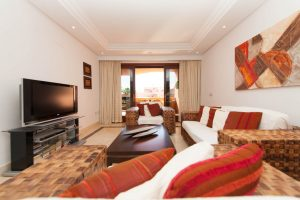 Apartment for sale in Estepona R2550707